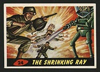 1962 Topps Mars Attacks #24 The Shrinking Ray - Front
